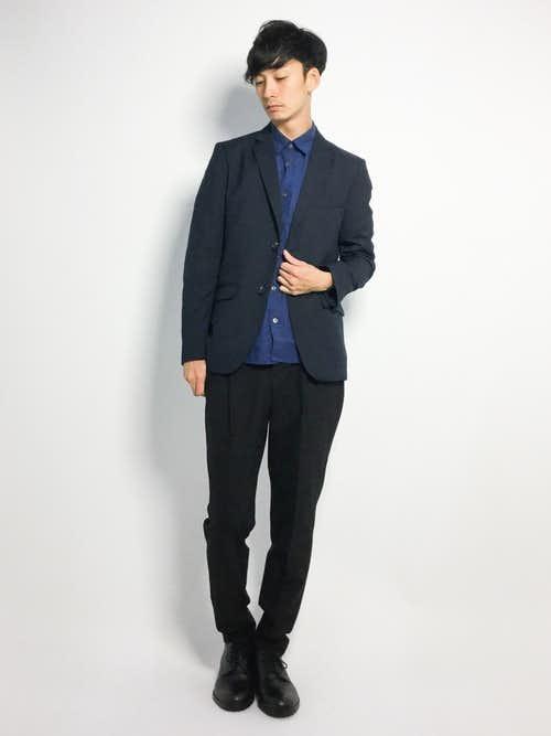 ネイビージャケットと青シャツのメンズコーデ