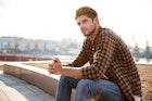 黒チェックシャツのメンズコーデ術。手軽でおしゃれな着こなし方とは | Smartlog