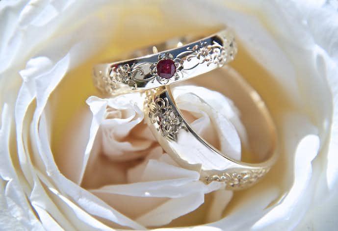 愛する人にディズニーの指輪のプレゼントを