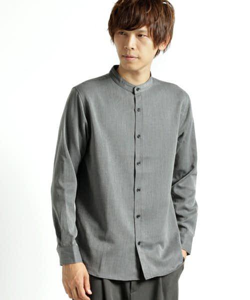グレーのバンドカラーシャツ