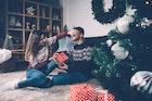 大学生彼氏が確実に喜ぶクリスマスプレゼント特集【男子学生の本音TOP10】 | Smartlog