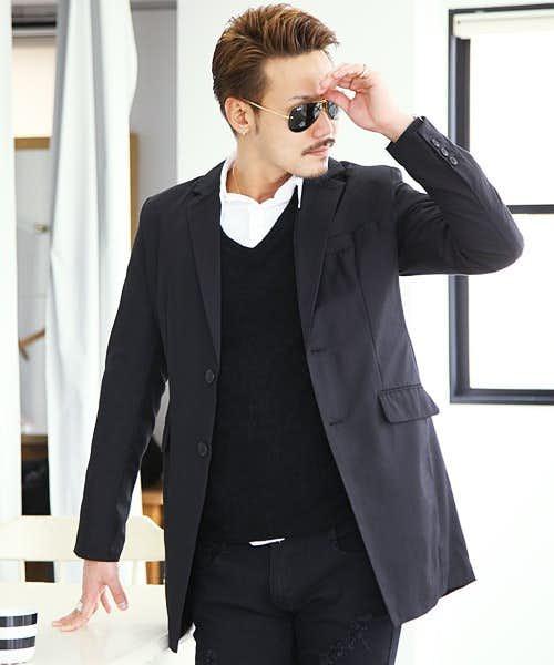 おしゃれな黒のチェスターコート