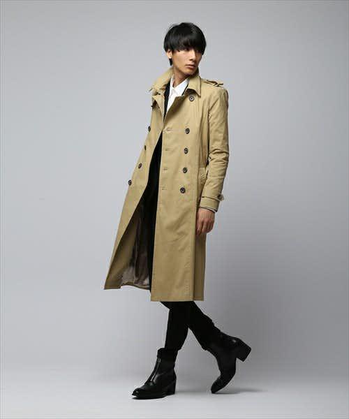 スーツスタイルにも様になる