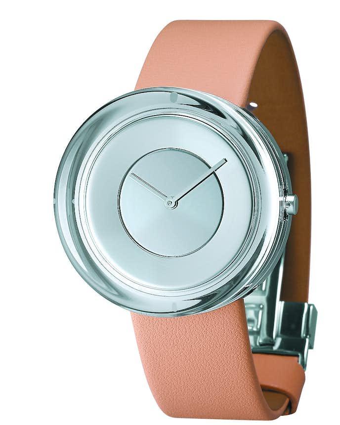 温かみのあるデザインの時計