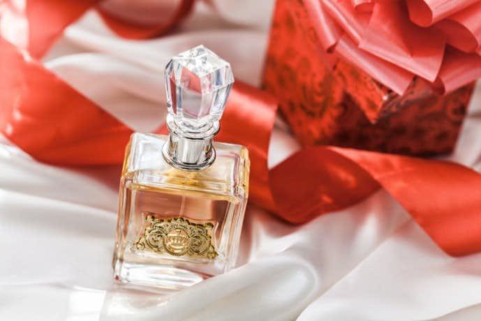 newest 04ef7 12983 彼女への特別なクリスマスプレゼント。女性人気の高い香水12選 ...