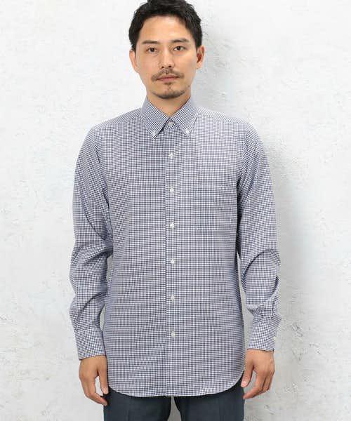 黒のギンガムチェックのボタンダウンシャツ