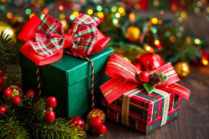クリスマスプレゼントにネックレスの贈り物を