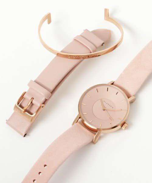 遠距離の彼女に贈るクリスマスプレゼントにクラッセの腕時計とカフ.jpg