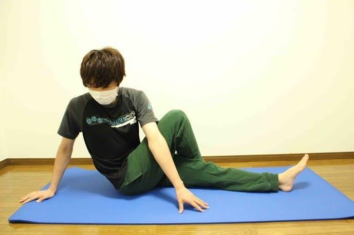 脊柱起立筋のストレッチ方法