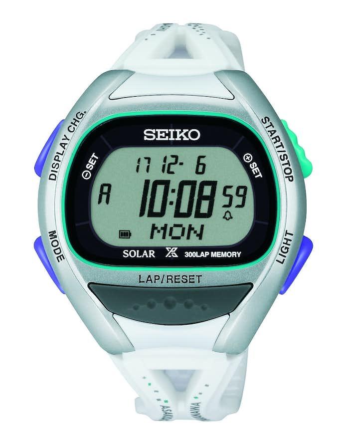 白の腕時計
