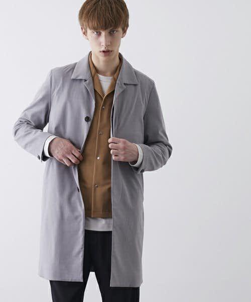開襟のコート
