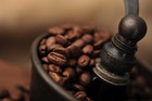 """おすすめ手動コーヒーミル10台。手挽きで""""贅沢""""なコーヒーライフを!   Smartlog"""