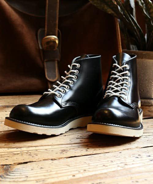 レッドウィングの黒のブーツ
