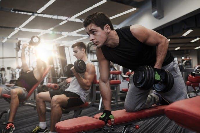 広背筋トレーニング「ワンハンドローイング」