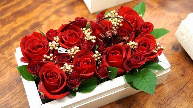 クリスマスプレゼントに贈る花はフローリストクラウンのフラワーボックス