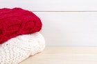 赤のカーディガンはクールに着こなしたい。人気のメンズコーデ5選 | Smartlog