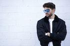 クールに着こなして男らしい印象に。黒のスタジャンコーデを徹底ガイド | Smartlog