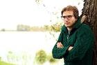 緑(グリーン)のニットでコーデを格上げ。人気のメンズ着こなし術を大公開 | Smartlog