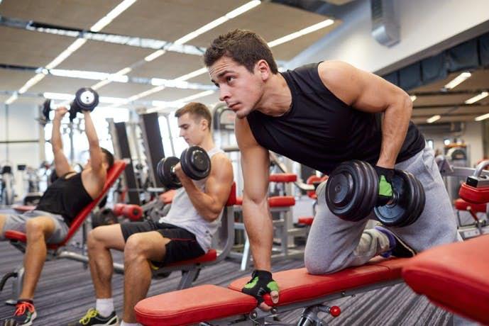 脊柱起立筋を効果的に鍛えられるトレーニングメニュー