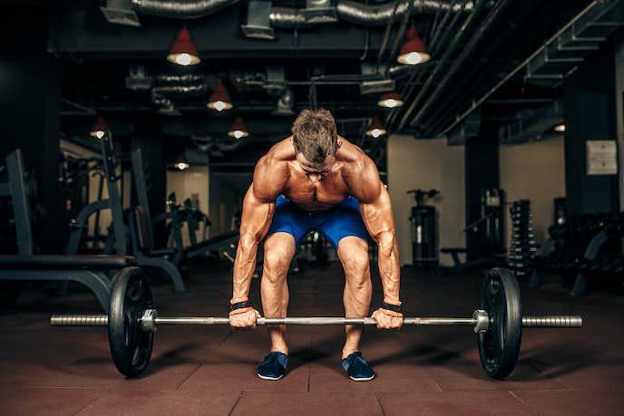 大腿四頭筋を鍛えればデッドリフトが出来る