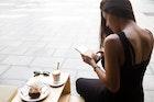 女性が浮気する心理とは?理由から紐解く5つの特徴 | Smartlog