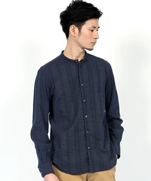コーデで使用されているバンドカラーシャツ