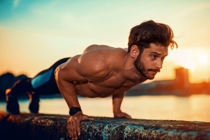 自宅で行える大胸筋の自重トレーニング
