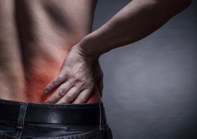 腹筋下部トレーニングは正しいやり方を行わなければ腰痛になる