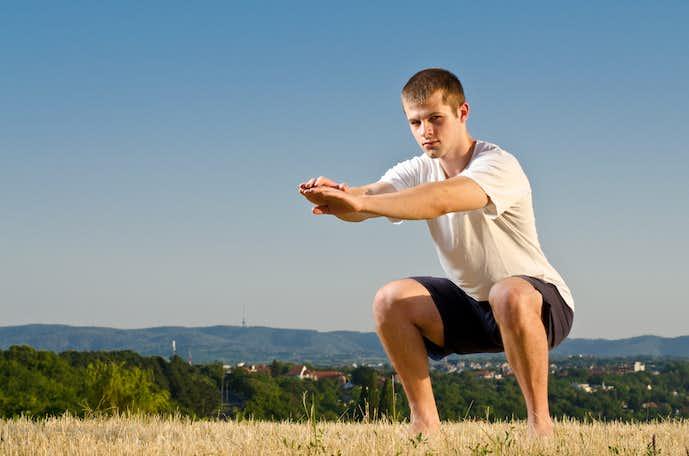 大腿直筋を鍛えられるスクワットトレーニング