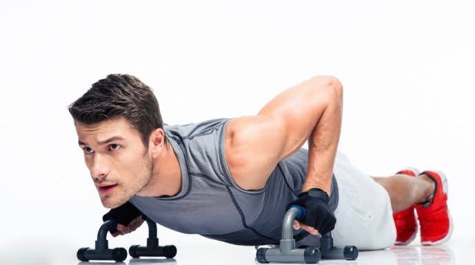 大胸筋トレーニングに必須のアイテム