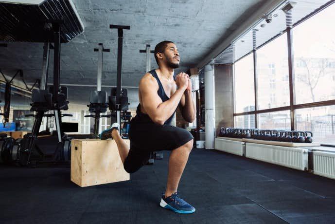 効果的に大腿四頭筋を鍛えられる自重筋トレメニュー