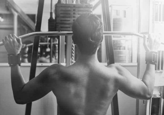 広背筋を鍛えられる自重トレーニング