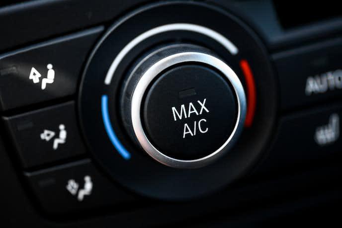 ドライブデートで温度調節をしてくれる