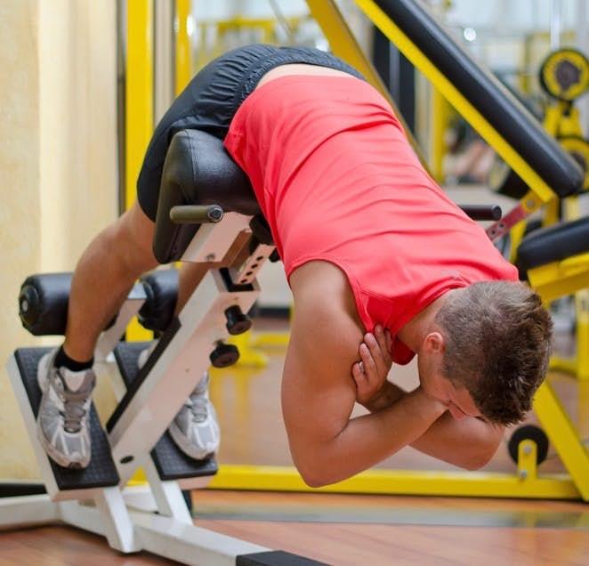 背筋(脊柱起立筋)を鍛えられるトレーニングメニュー