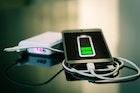 コンセント付きモバイルバッテリーのおすすめ12選。一台二役の一体型アイテムの魅力とは | Smartlog