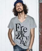程よいセクシー感が魅力的!男らしいVネックTシャツ5選 | Smartlog