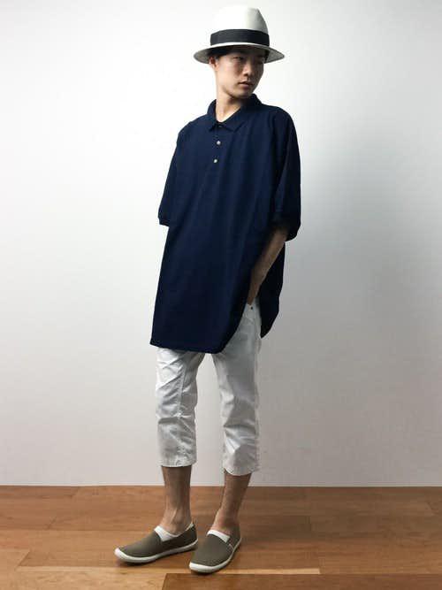 クロップドパンツとワイドシャツの着こなし