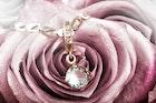 ダイヤのネックレス特集。プレゼントで女性が喜ぶ人気ブランドとは | Smartlog