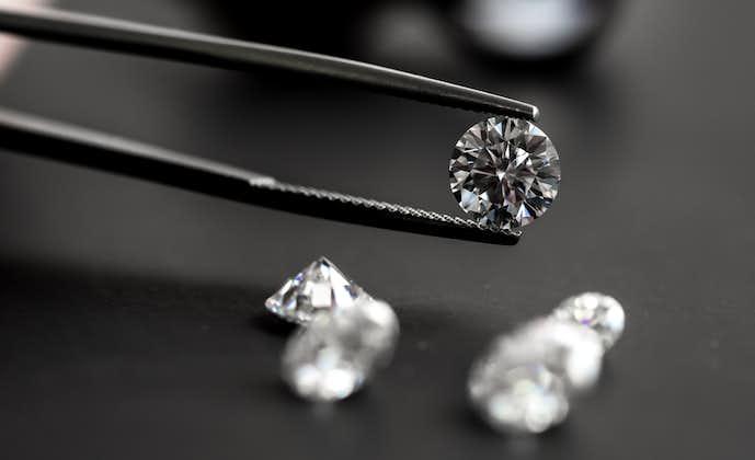 ダイヤモンドのネックレスの相場は