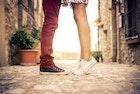 ペアスニーカーで愛のお揃いを。カップルおすすめ靴ブランド15選 | Smartlog