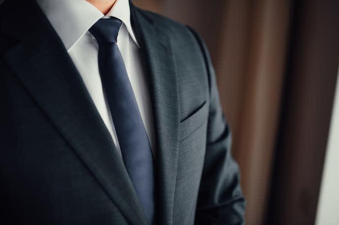 077d37ddea0eb 結婚式二次会 男性のNG服装&おすすめスーツコーディネート9選