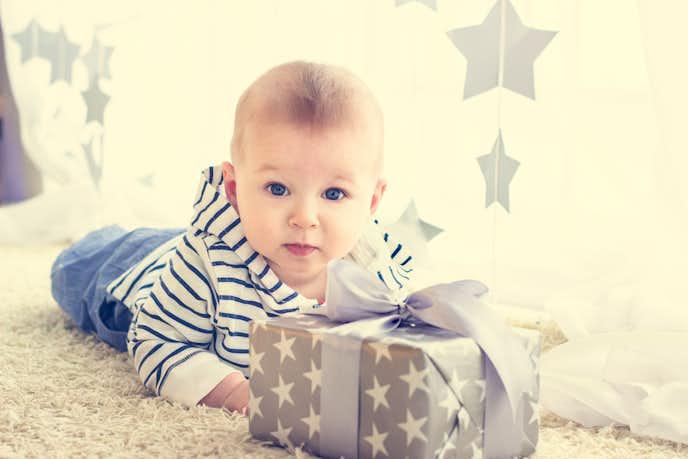 男の子への出産祝いの予算