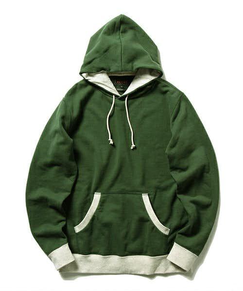 BEAMSの緑パーカー