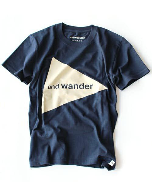 特徴的なデザインのTシャツ
