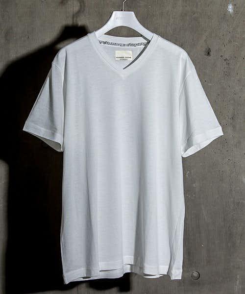 ステュディオスの人気VネックTシャツ