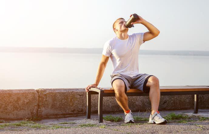 ホエイプロテインを飲むタイミング