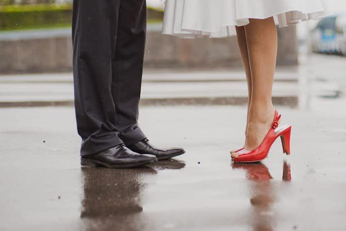 雨の日に履くべき靴とは?