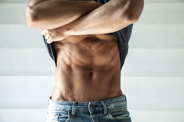 お腹 周り の 脂肪 を 落とす 男