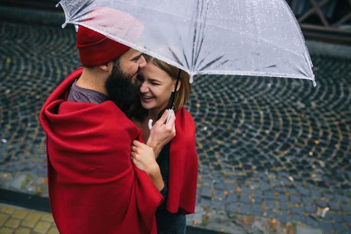 雨のデートでペアルック