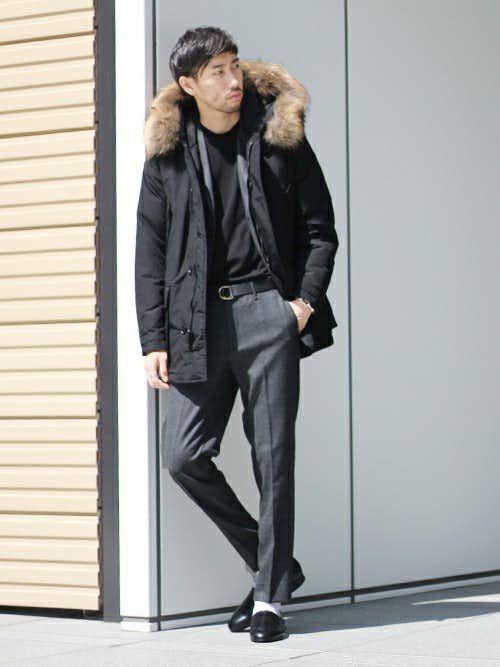 黒ダウンジャケットとジャケットのメンズコーディネート